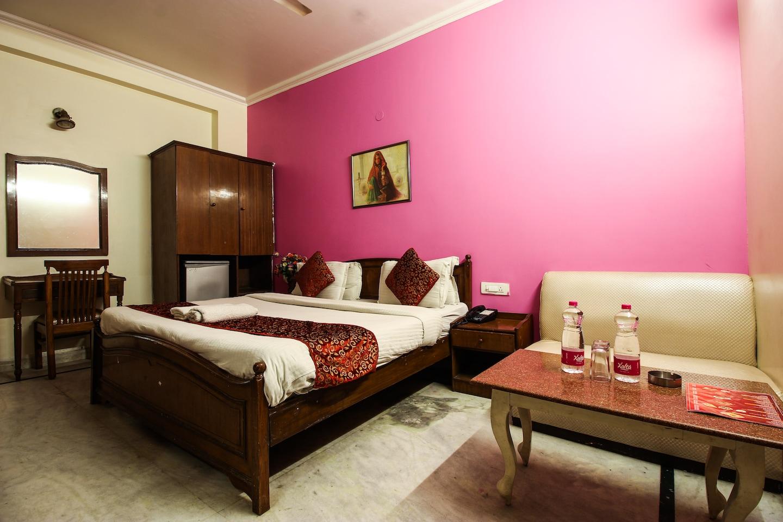 OYO 3647 Hotel Rahul Palace -1