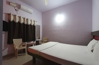 SPOT ON 37504 Mayura Hotel And Lodge SPOT