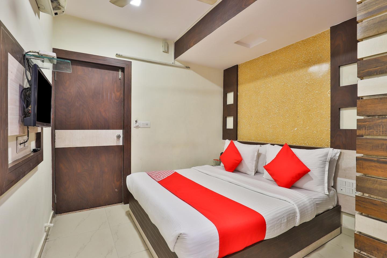 OYO 3649 Hotel Sree Balaji Residency -1