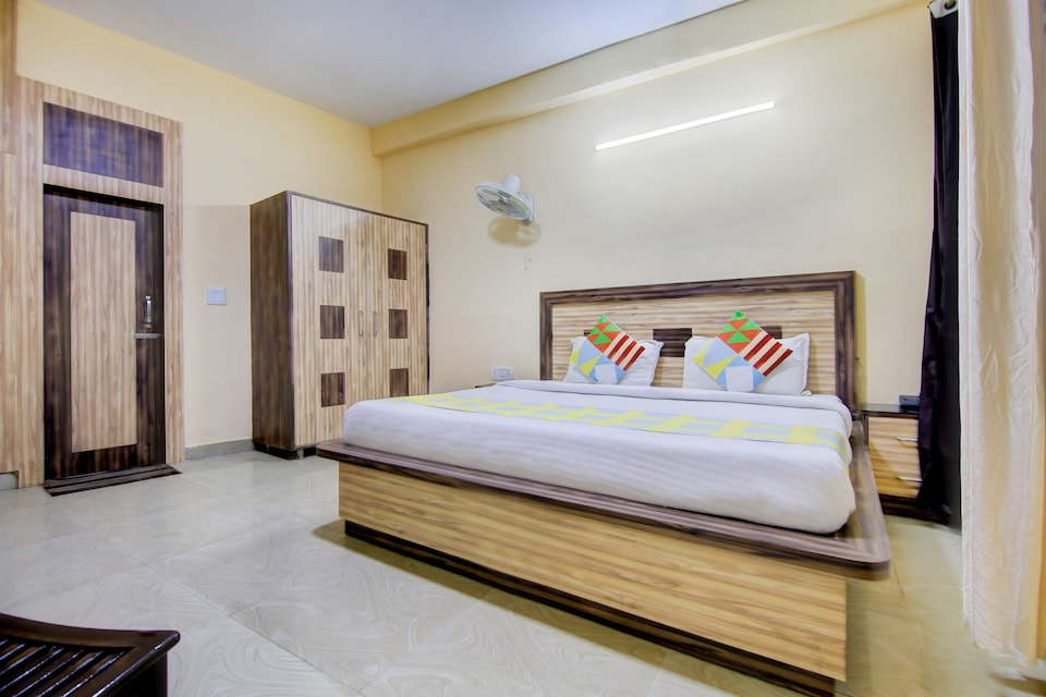 OYO Home 37534 Comfortable Stay Mall Road