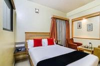Capital O 37664 Hotel Grand Plaza