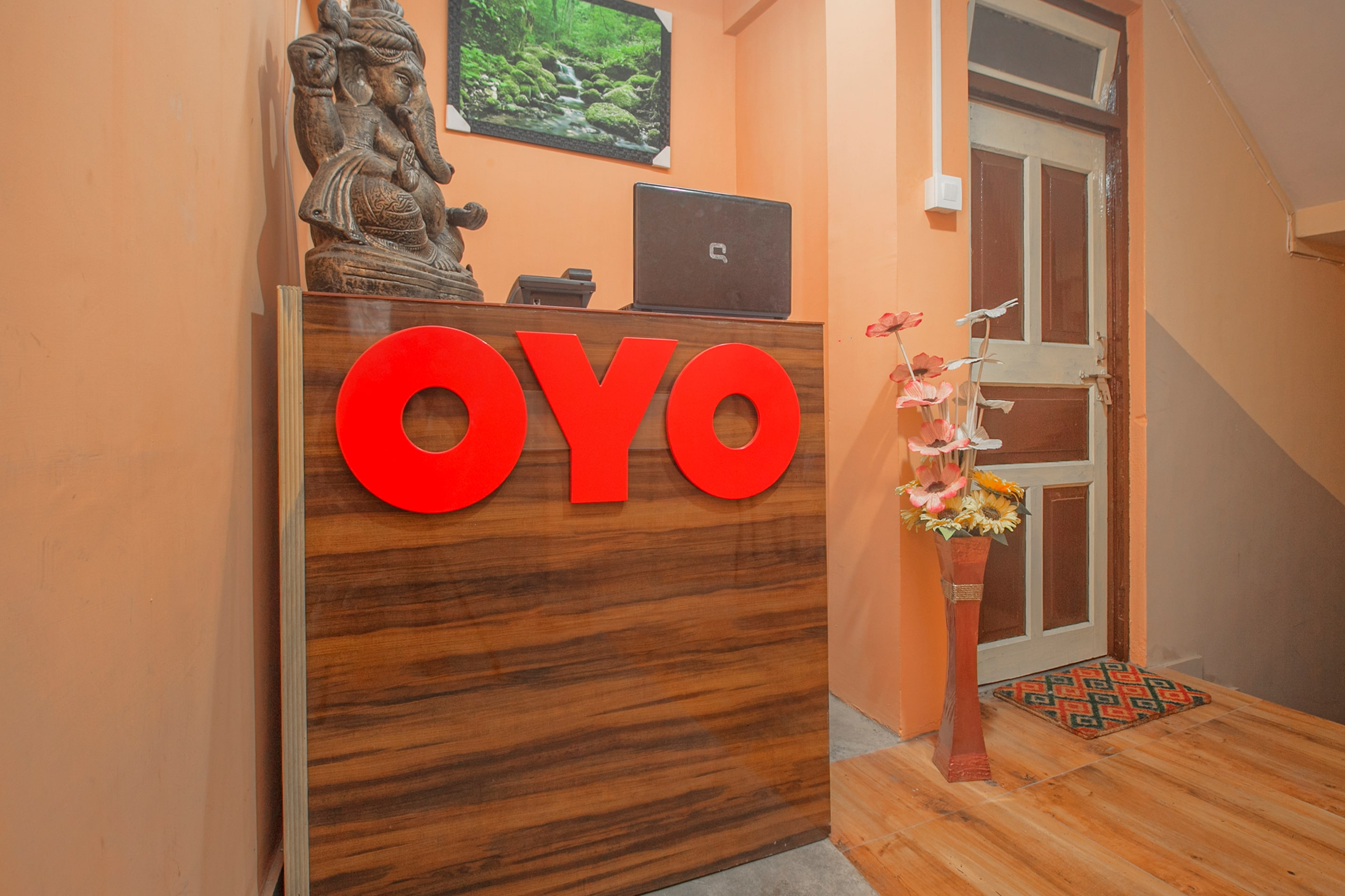 Hotel Gallarey OYO 37670 Sancha Residency