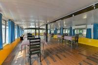 OYO 37685 Big B Classic Houseboat Deluxe