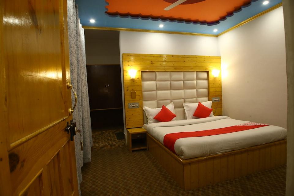 OYO 37706 Hotel Grand Inn