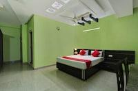 OYO 37740 Hotel Manik Residency