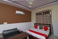 OYO 37749 Hotel Abhyam