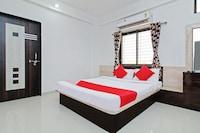 OYO 37759 Hotel Kalubai Deluxe