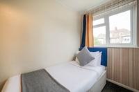 OYO Devine Beach Hotel