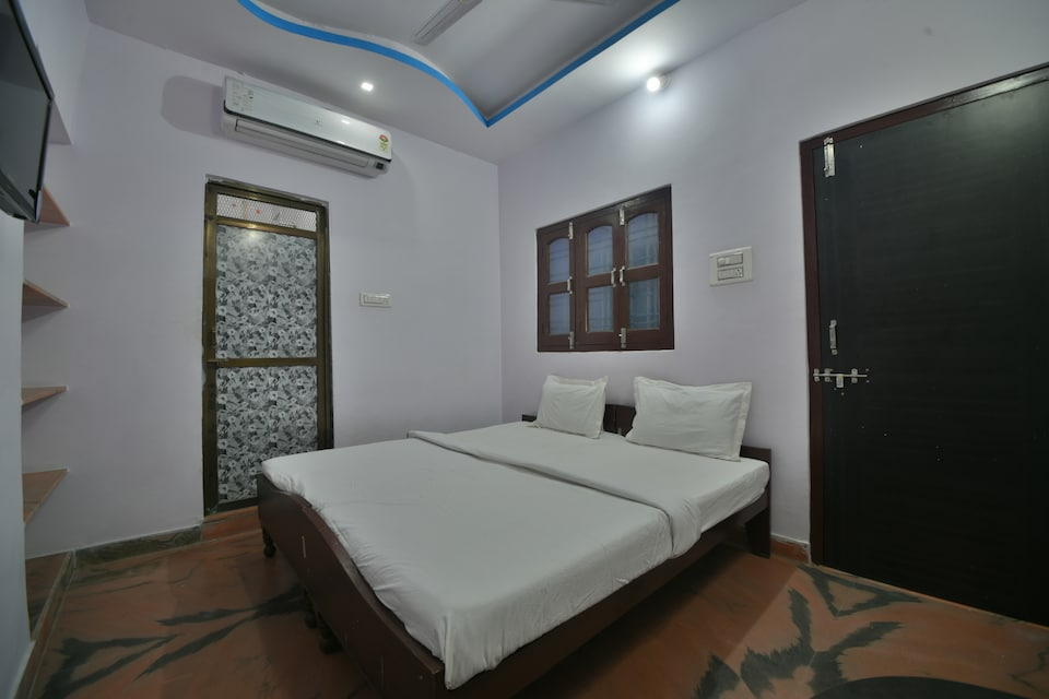 SPOT ON 37816 Shrinath Guest House