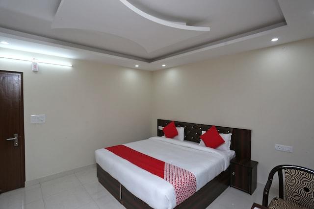 OYO 37829 Hotel Mishra's