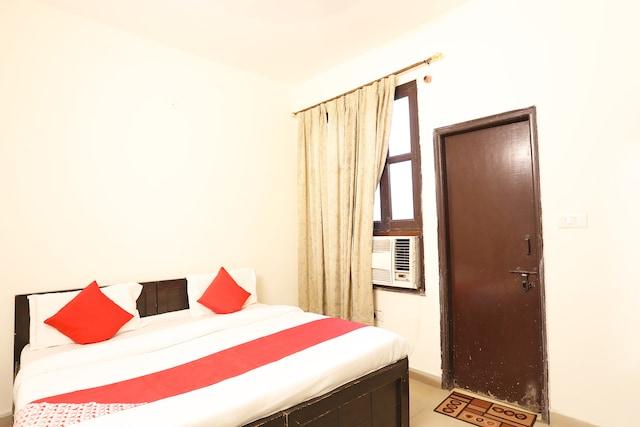 OYO 37833 Hotel Mapple