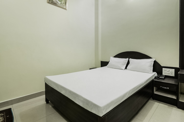 SPOT ON 37834 Hotel Geeta Palace -1