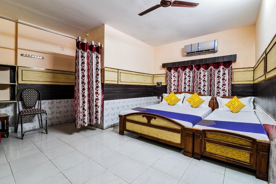 SPOT ON 37848 New Cb Residency