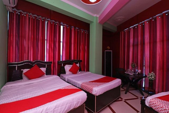 OYO 37850 Ugte Hotel & Restaurant Deluxe
