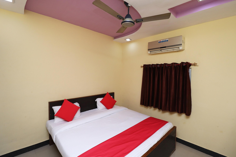 OYO 37887 Hotel Sikandra Palace & Restaurant