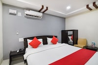 Capital O 37901 Hotel Sri Lakshmi Grand
