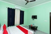 OYO 37905 Hotel Gangri-2