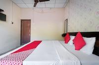 OYO 37911 Pavani Resort