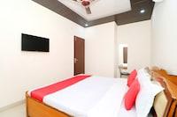 OYO 37912 Lucky Hotel