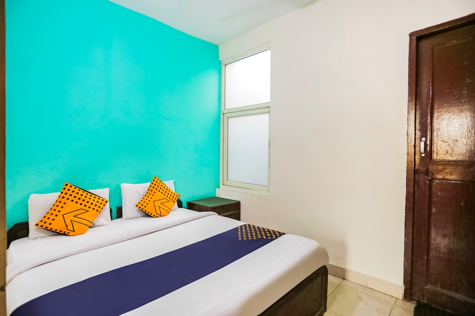 SPOT ON 37919 Green Star Hotel