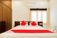 OYO 37958 Rvn Guest Inn Deluxe