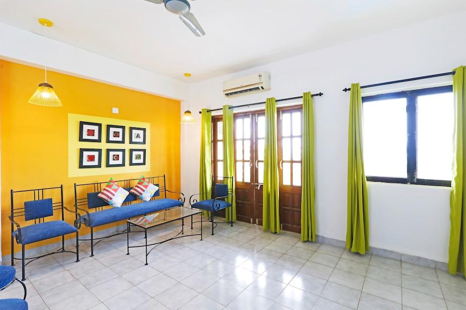OYO Home 37969 Luxurious 2 BHK Flat