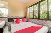 OYO 37996 Hotel Pakeeza Saver