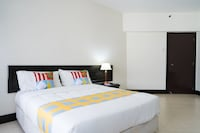 OYO Home 1080 Homey 2BR Sucasa Apartment