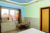 SPOT ON 38040 Hotel Nand Palace