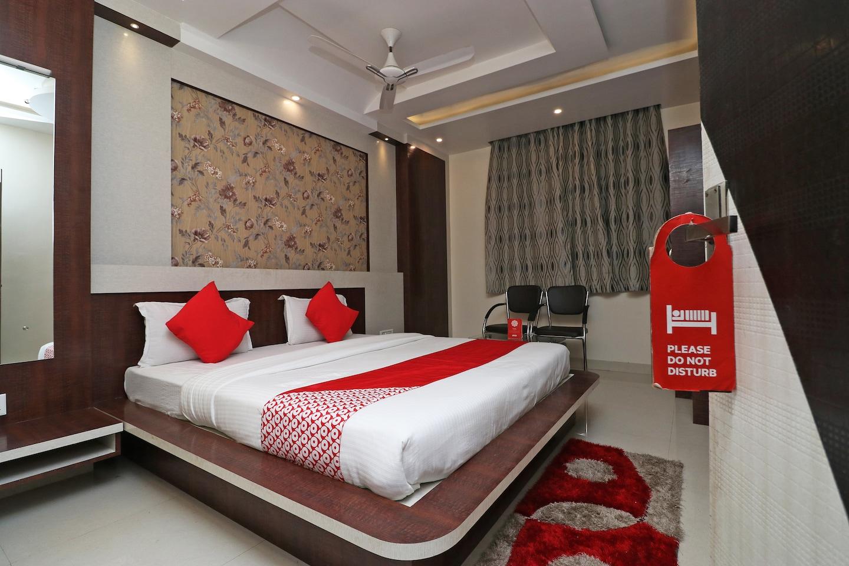 OYO 38063 Hotel Anand International -1