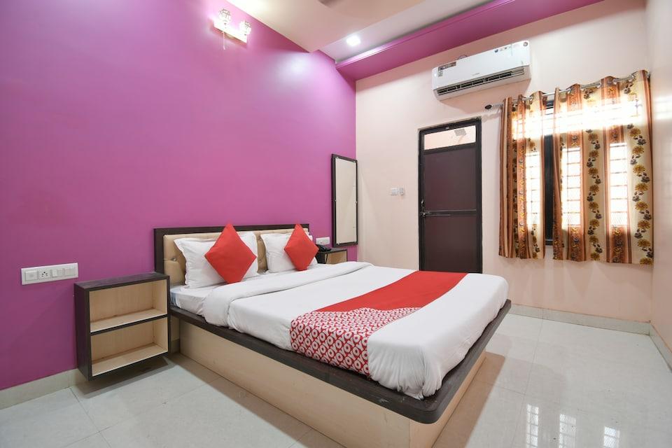 OYO 38074 Hotel Komal