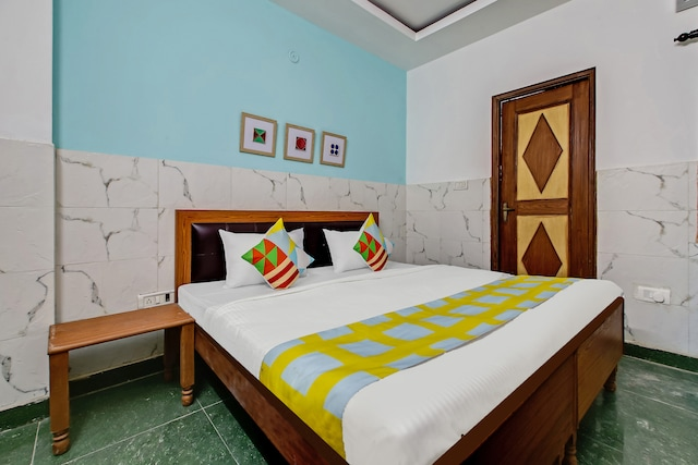 OYO 38093 Designer Stay Near Sector 59 Metro Station