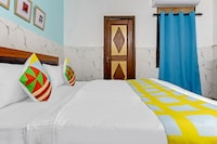 OYO Home 38093 Designer Stay Near Sector 59 Metro Station