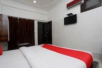 OYO 38111 Hotel Hari
