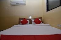 OYO 38156 Hotel Jain