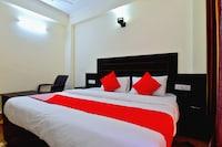 OYO 38167 Maa Charan Residency