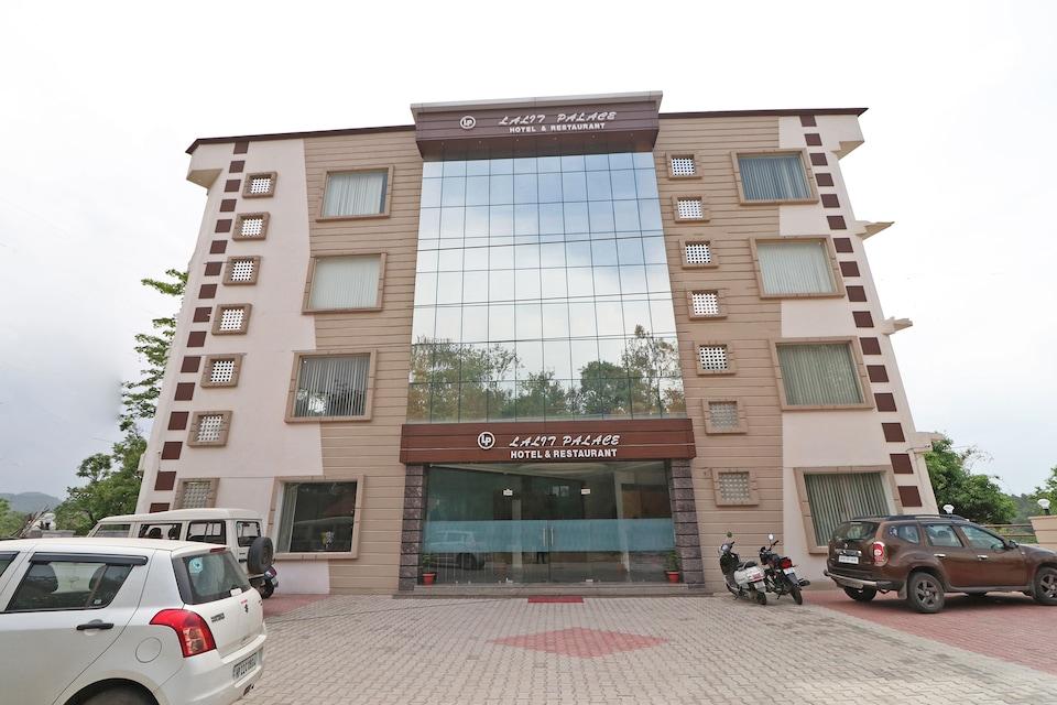 OYO 38171 Hotel Lalit Palace