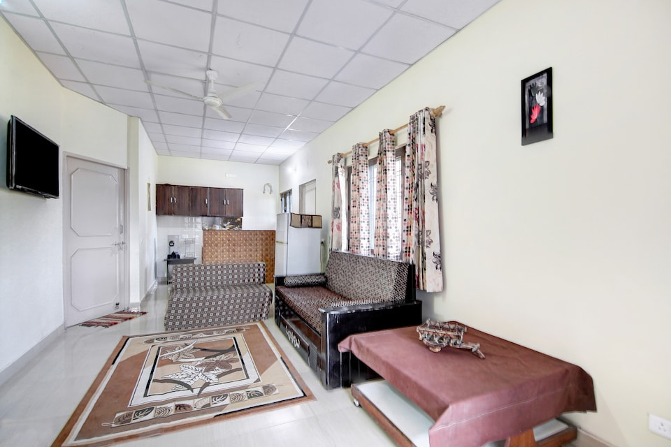 OYO Home 38174 Luxurious 2BHK Hills View