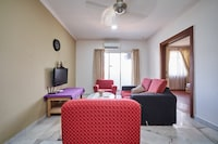 OYO Home 1089 Homestyle 2BR Holiday Place