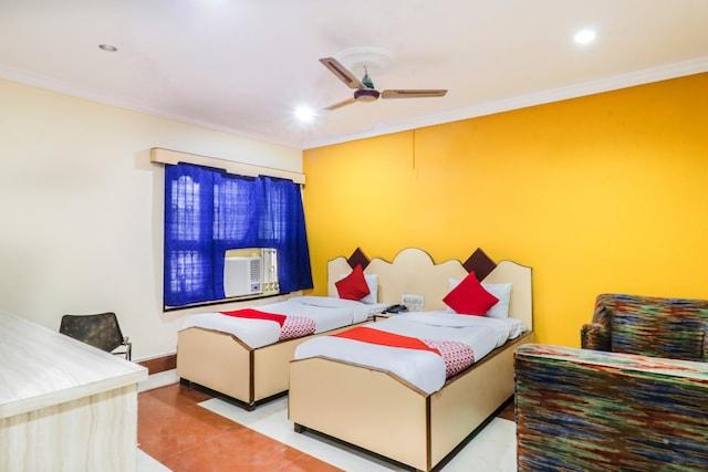 OYO 38200 Hotel Goutam Vihar
