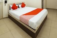 OYO 38211 Sri Sai Residency