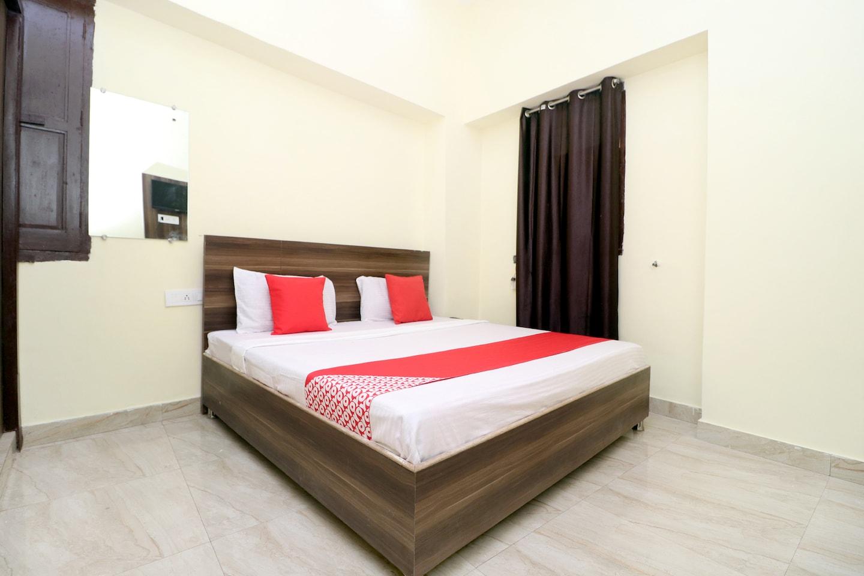 OYO 38404 Arora Classic Guest House -1