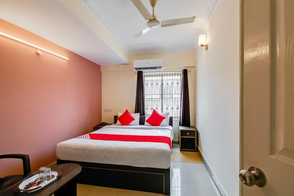OYO 38410 Hotel Hsr Comforts