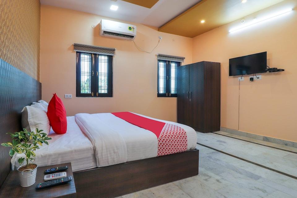 OYO 38529 Silk Inn Luxury At No Cost