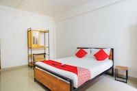 OYO 38562 Delma Residency