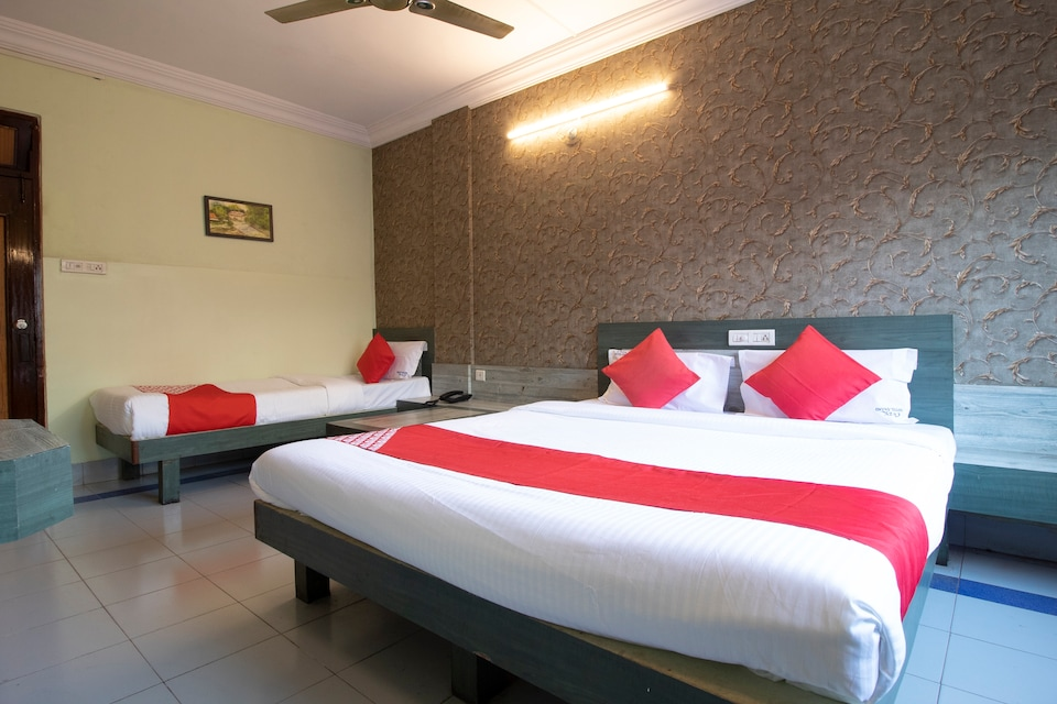 OYO 38585 Cozy Hotel Anand