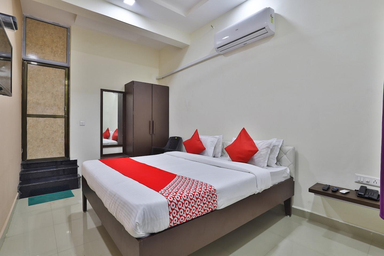 OYO 38589 Rajguru Guest House -1