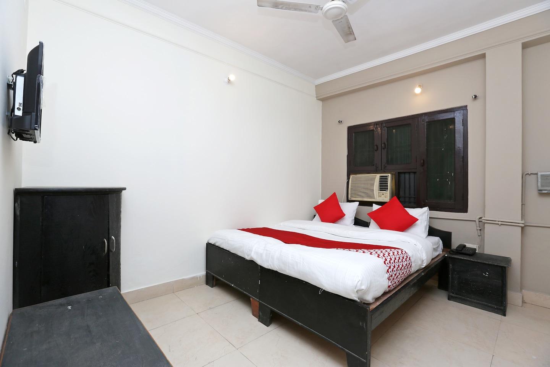 OYO 38612 Hotel Krishna Towers -1