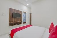 OYO 38622 Neema Residency