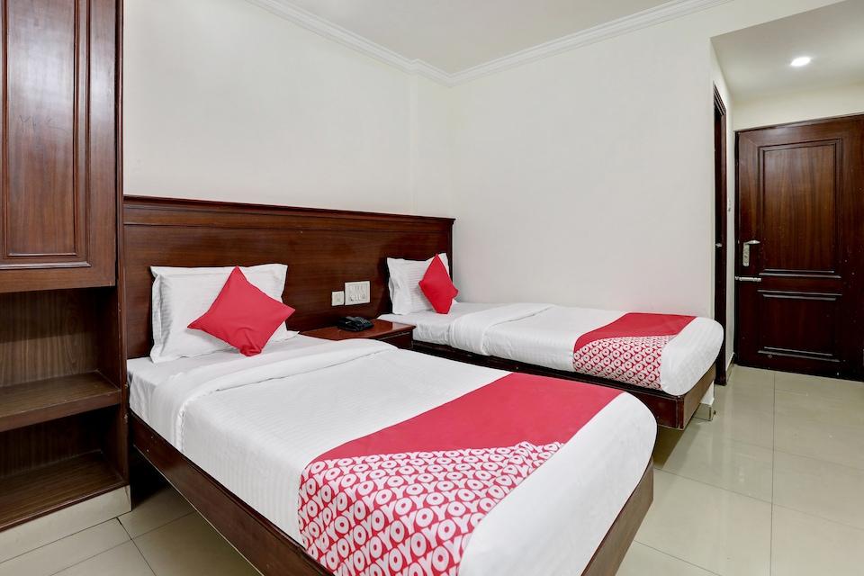 OYO 38662 Snt Comforts Lodge